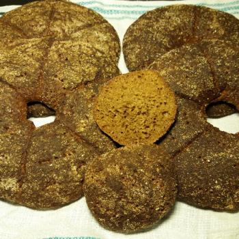Jalo Rye Bread first slice