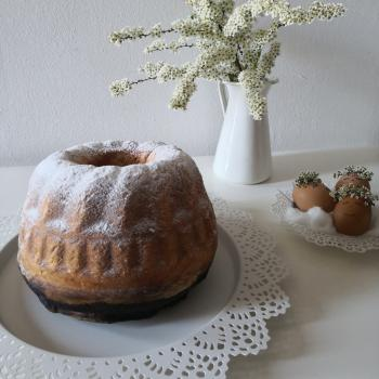 Janko Bread and potica first slice