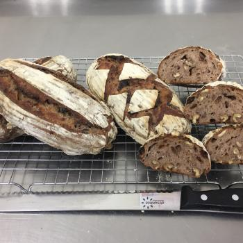 Kelvin Lim Rye Sourdough raisin walnut  first overview