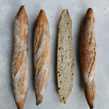 La Chilean Frenchie Baguettes first slice