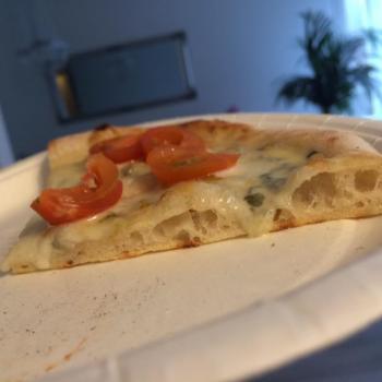 Memole Pizza second slice