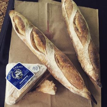 Mom Levain baguette first overview