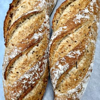 PURA VIDA MAE difrents Bread first slice