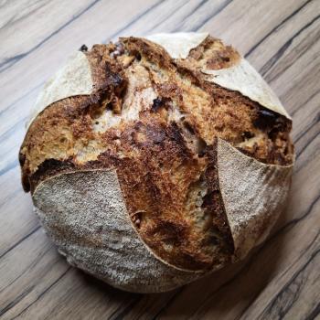 Srđan Bread first slice